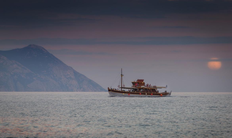 Cruise to Mount Athos from Sarti Halkidiki